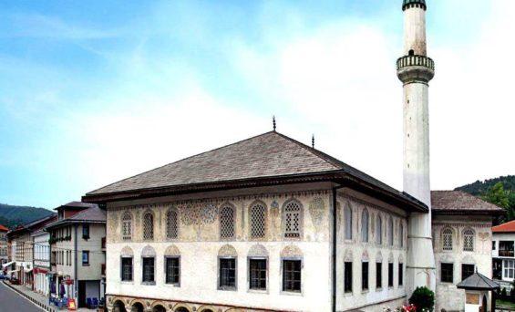 Travnička ljepotica Šarena džamija danas otvara vrata za vjernike